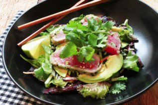 seared tuna salad with miso dressing