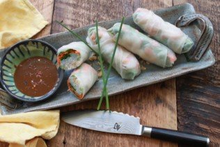 Vietnamese Spring Rolls with Shrimp & Spicy Peanut Dipping Sauce
