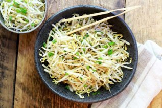 bean sprouts salad