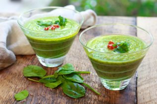 green gazpacho soup