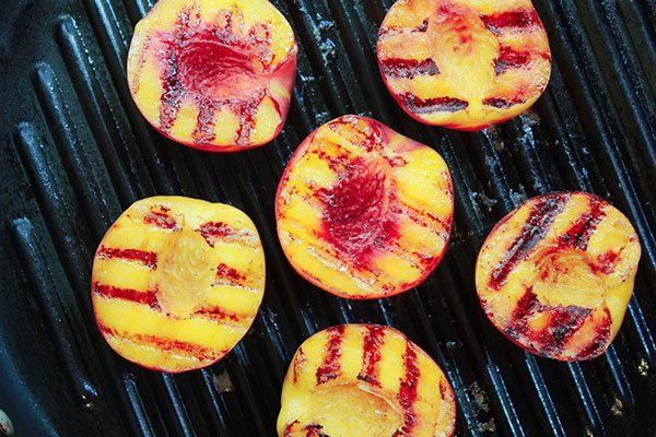 Grilled peaches in a grill pan