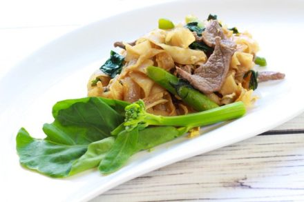 easy Thai Pad See Ew stir fried noodles